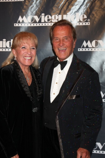 Pat and Shirley Boone: Rockin' Those Good Old Tennessee Traditions