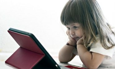 How Too Much Screen Time Affects Children