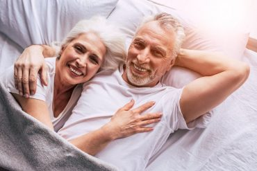 7 Ways for Seniors to Safely Meet in 2020